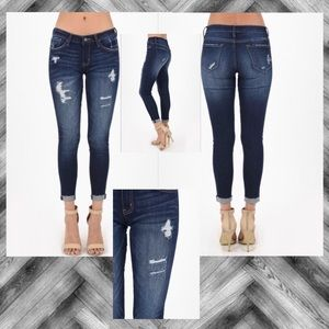 NEW ⚓️ KanCan Jeans Distressed Midrise